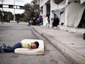 Activismo y voluntariado, lo que sostiene a los refugiados en Atenas
