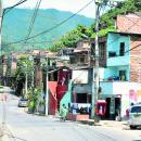 En escuelas de Medellín implementan simulacros de balaceras