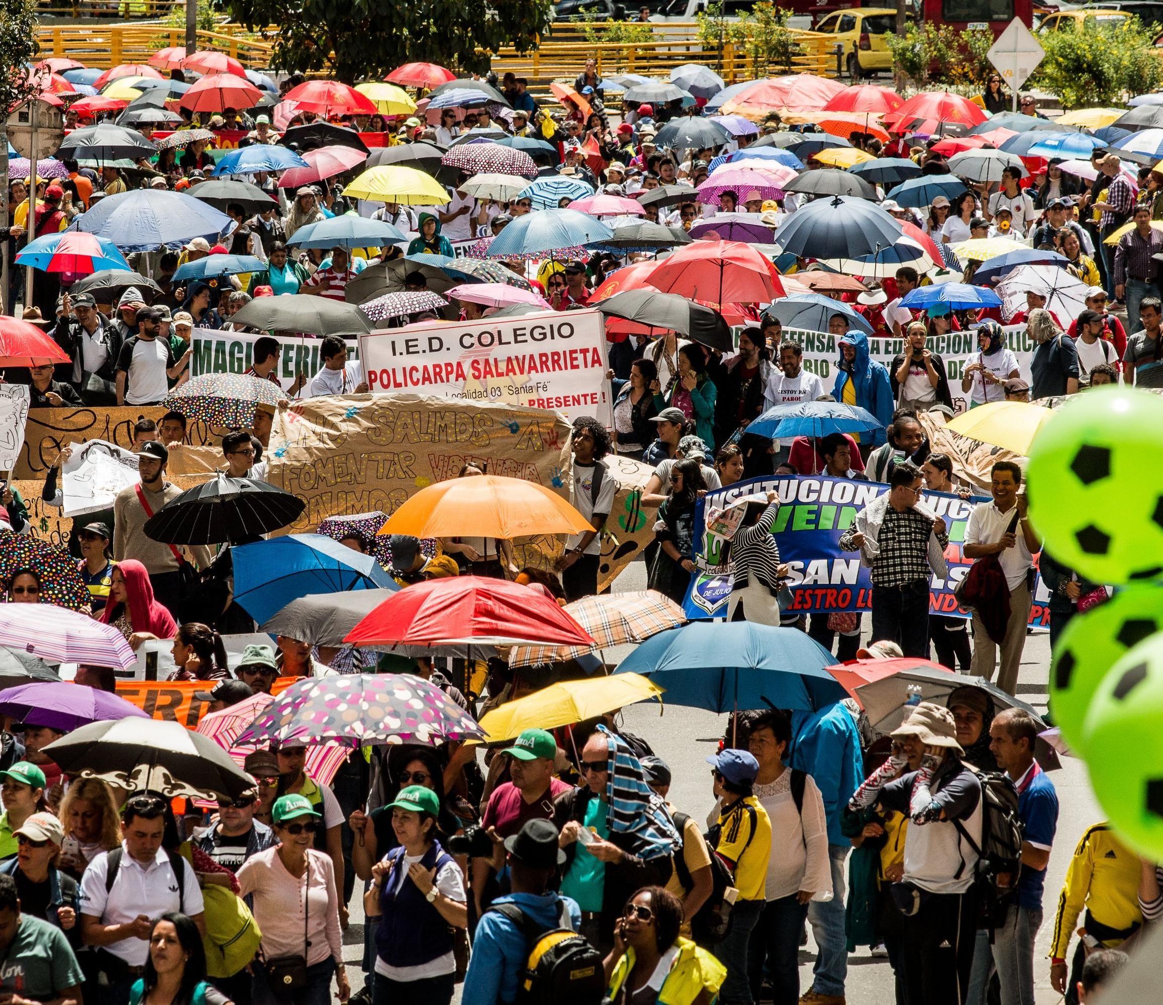 Paro de profesores en Colombia continúa porque no hay acuerdo entre ...