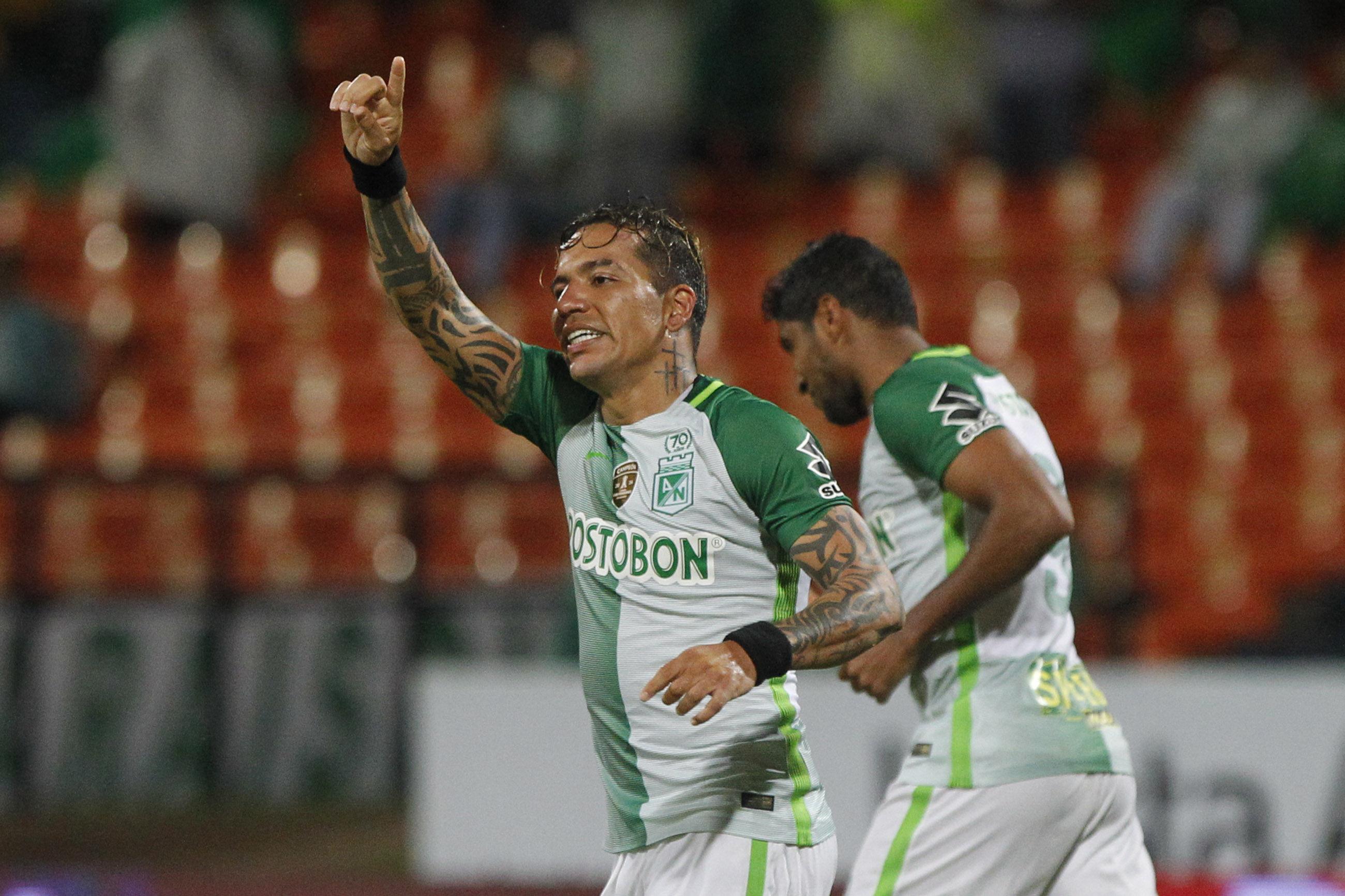 Nacional, sobre el final del partido, venció 2-1 a Bucaramanga