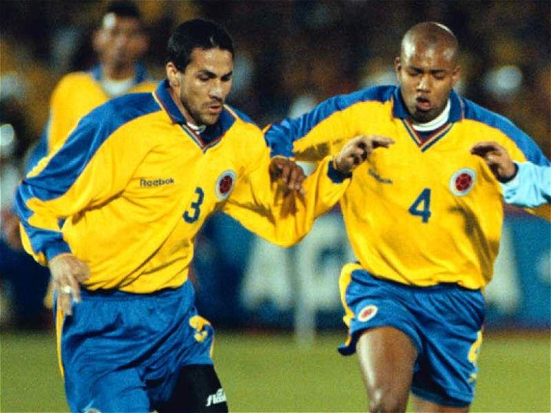 Así ha evolucionado la camiseta de la Selección Colombia - Fútbol  Internacional - Deportes - ELTIEMPO.COM 0360287aa93