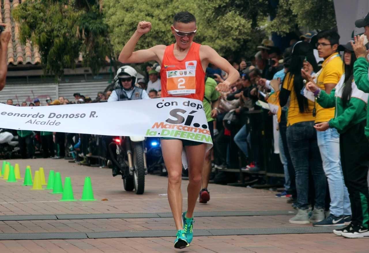 capitalismo haz Rey Lear  Miguel Amador ganó la Carrera San Silvestre de Chía - Otros Deportes -  Deportes - ELTIEMPO.COM