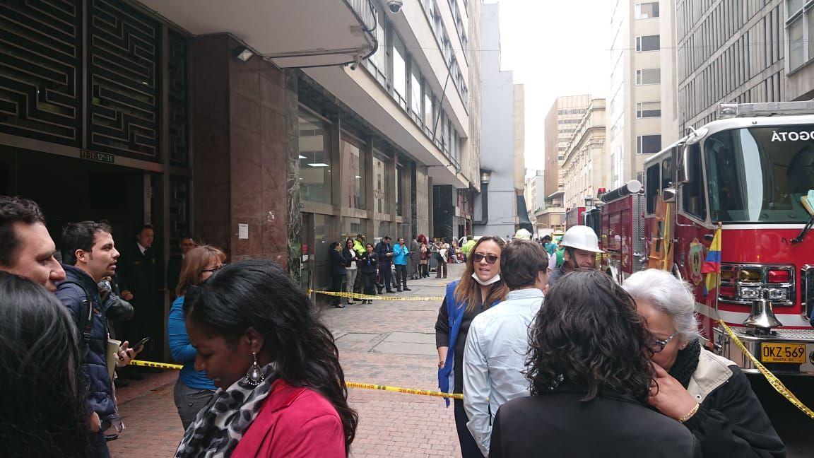 evacuan edificio del ministerio del interior por fuga de