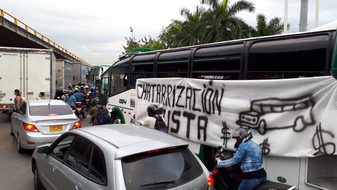Comenzó concentración de buses en puntos previstos para la protesta