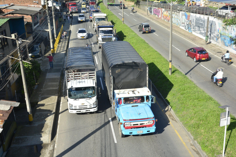 Solo 3.500 carros aportan la mitad de la contaminación en Medellín