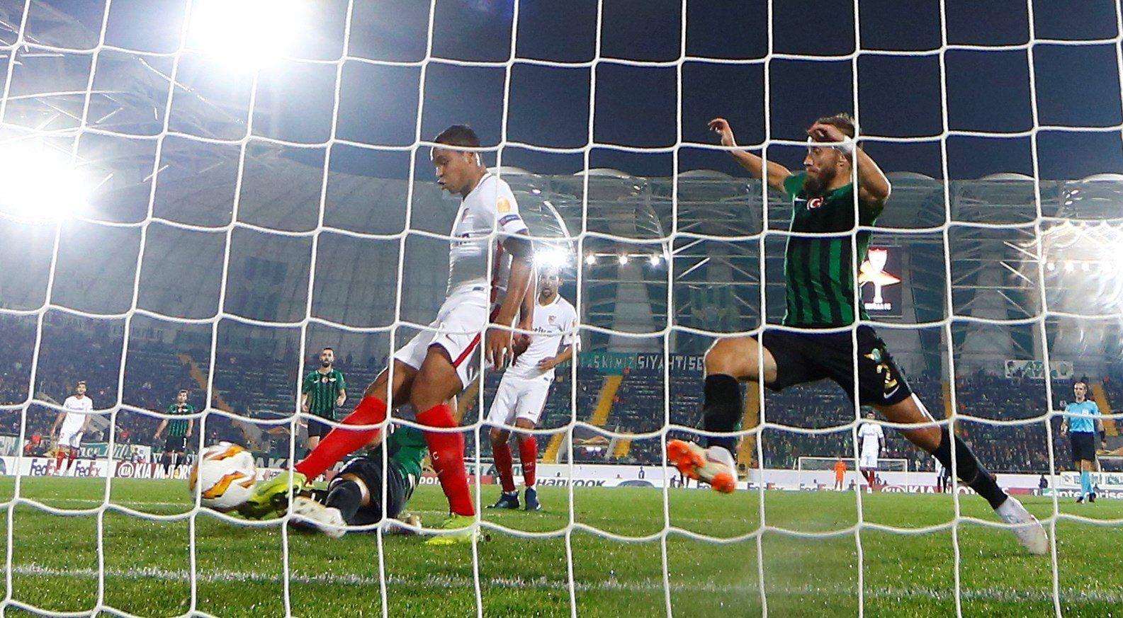 Con gol de Muriel, Sevilla venció 2-3 al Akhisar en la Europa League