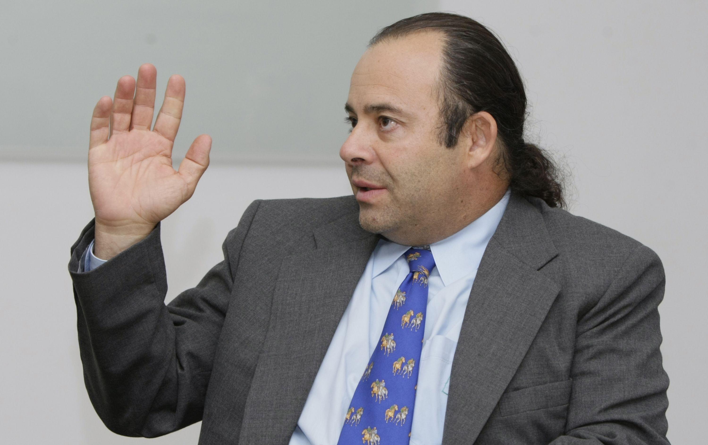 Quién es Luigi Echeverri, uno de los hombres que más le habla al oído al  Presidente - Política - ELTIEMPO.COM
