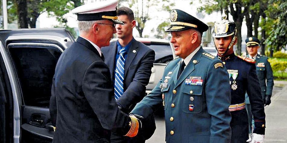 Nuevo jefe del Comando Sur, en Bogotá / En secreto