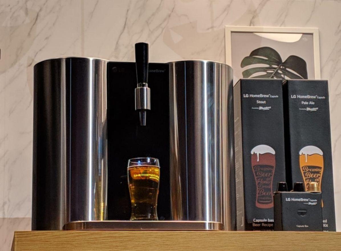 LG presenta una máquina para hacer cerveza en casa en el CES 2019