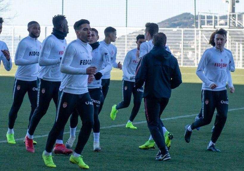 Radamel Falcao retornó a los entrenamientos y jugará contra Marsella