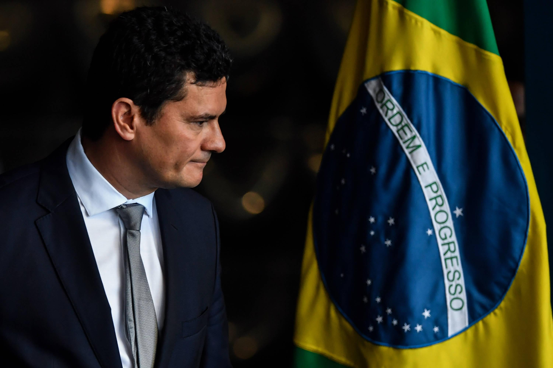 Actor Porno Moro se desmorona la imagen del poderoso exjuez moro en brasil