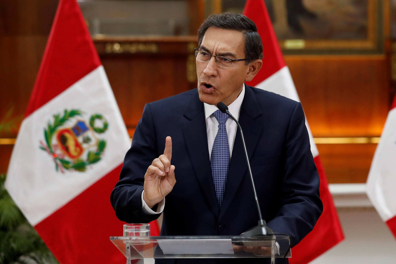 Actor Porno En Parlamento disuelven congreso de perú