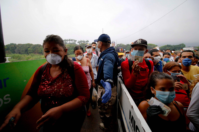 Migración de venezolanos: Migrantes regresan a Colombia desde Venezuela |  Frontera de Cúcuta - Otras Ciudades - Colombia - ELTIEMPO.COM