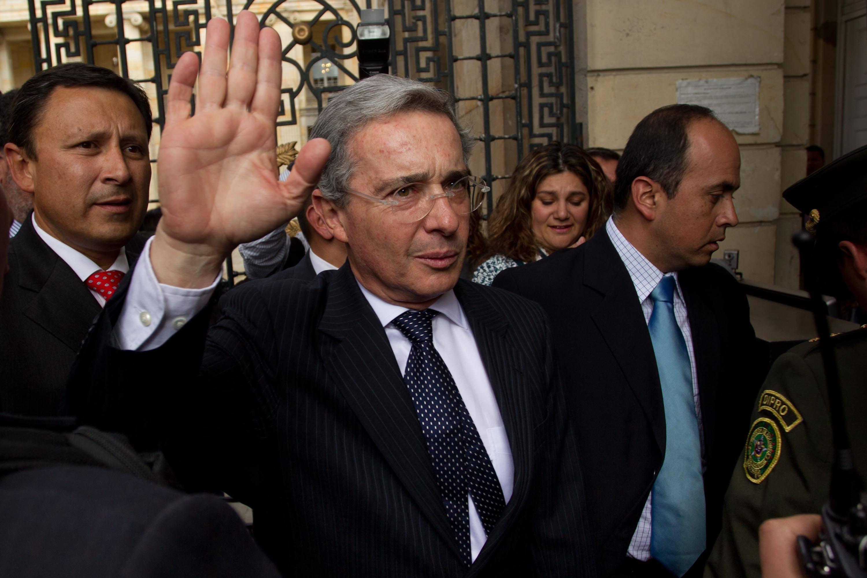 Álvaro Uribe: Corte notifica a su defensa de pasó de expediente a la  Fiscalía - Unidad Investigativa - ELTIEMPO.COM